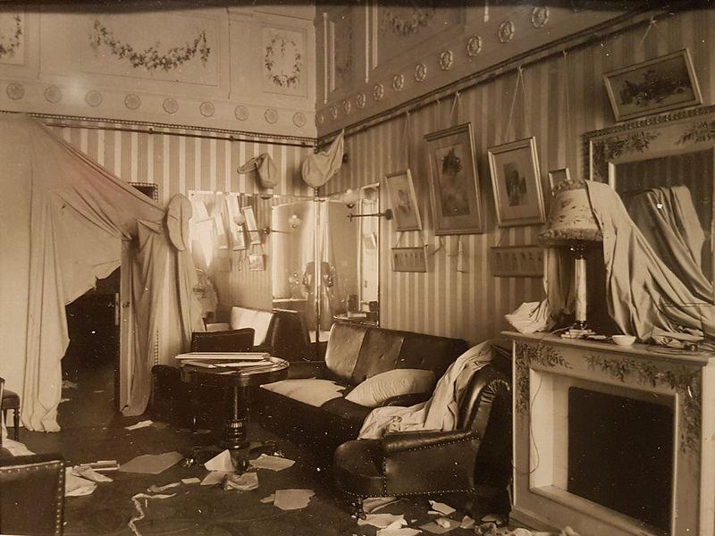 1917. Будуар императрицы Александры Федоровны после Шторма Зимний дворец