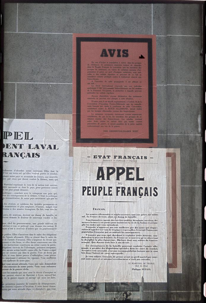 Плакаты, появившиеся за несколько дней до освобождения Парижа. Обращение к французскому народу маршала Петена