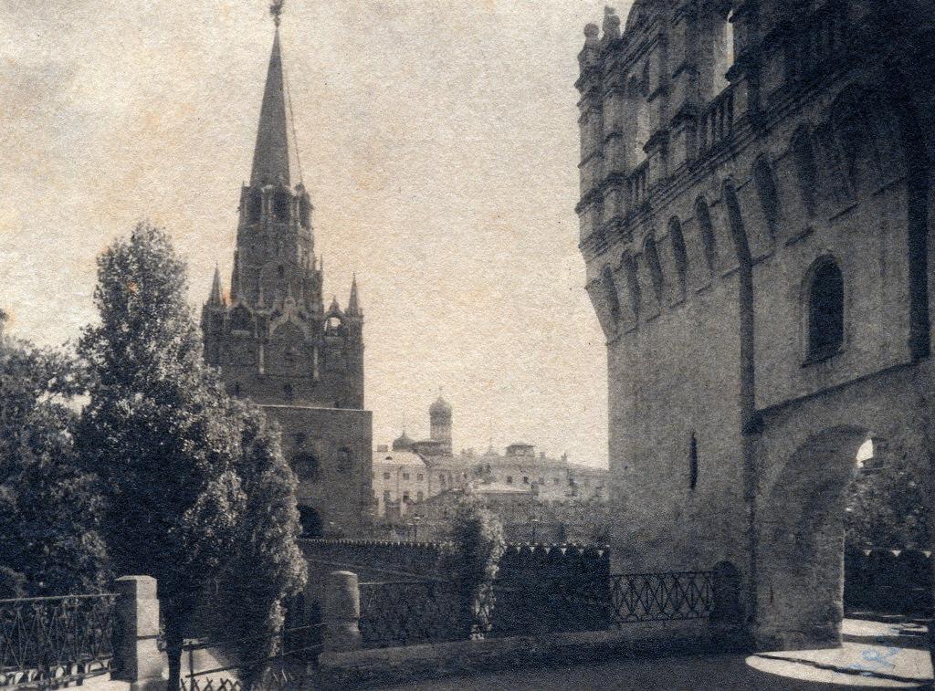 Вход в Кремль. 1908