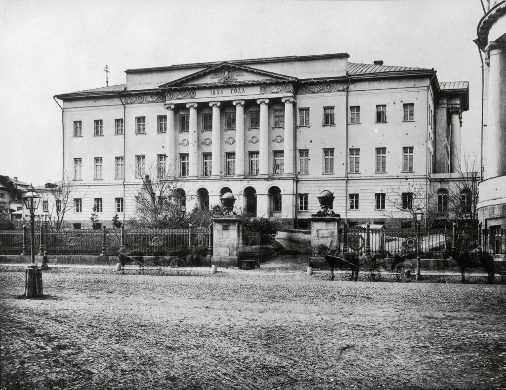 Здание Московского университета на Моховой, 1884