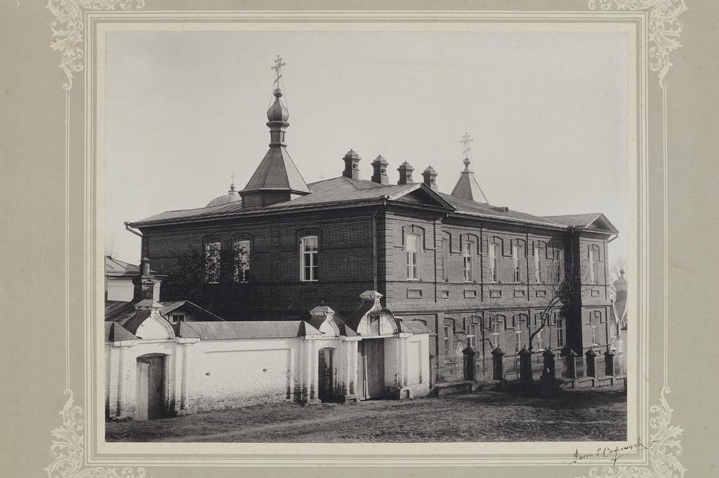 1900-е. Вид больничного здания Тихвинской женской пустыни