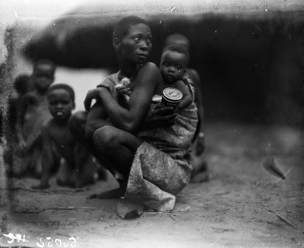 Катаба. Женщина с малышом на спине