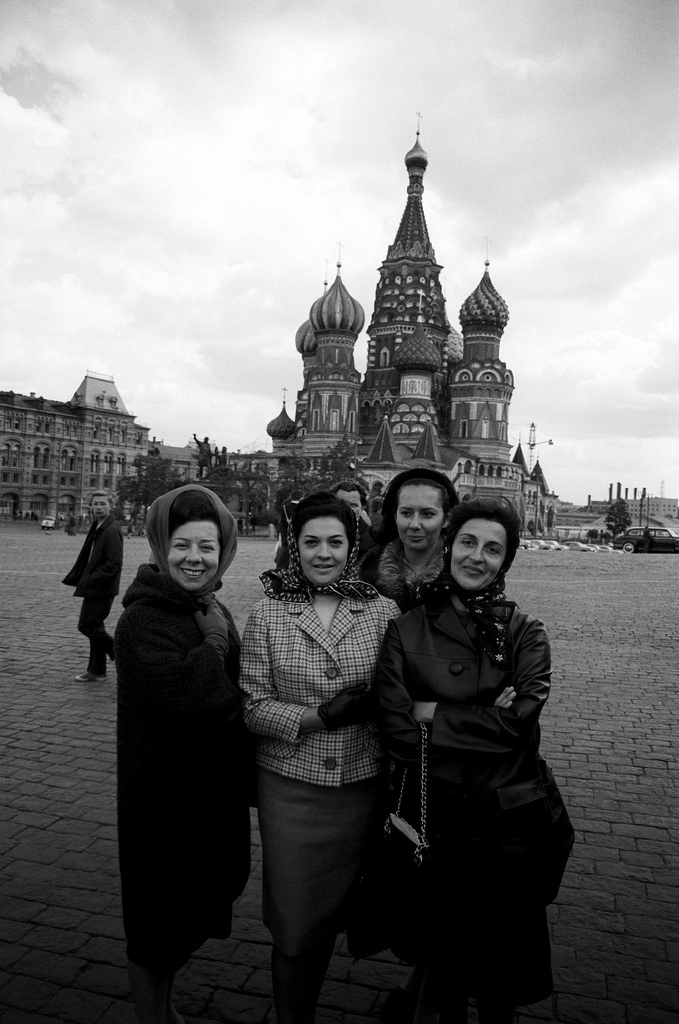 Джульетта Симионато, Фьоренца Кассотто и Эдда Винченци на Красной площади