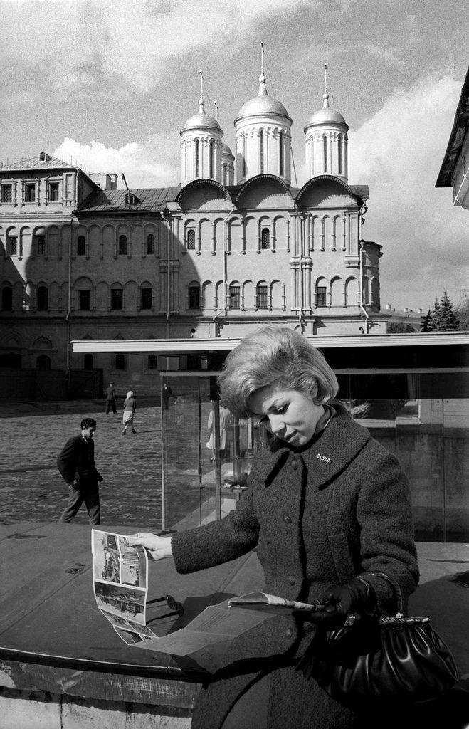 Мирелла Френи на Соборной площади