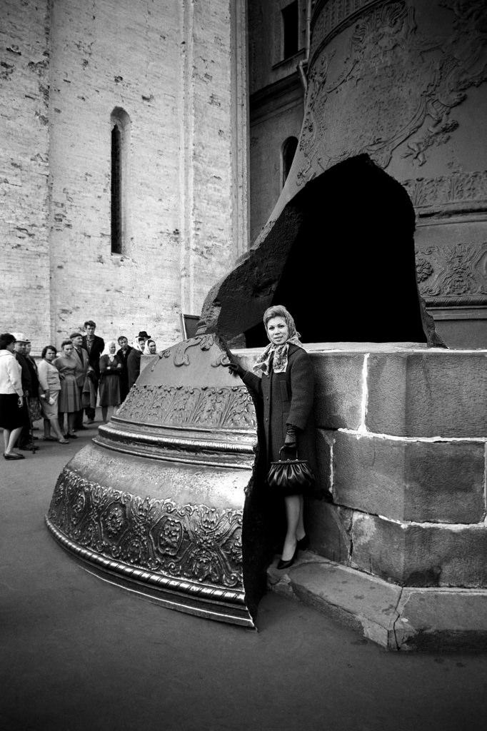 Мирелла Френи у Царь-колокола