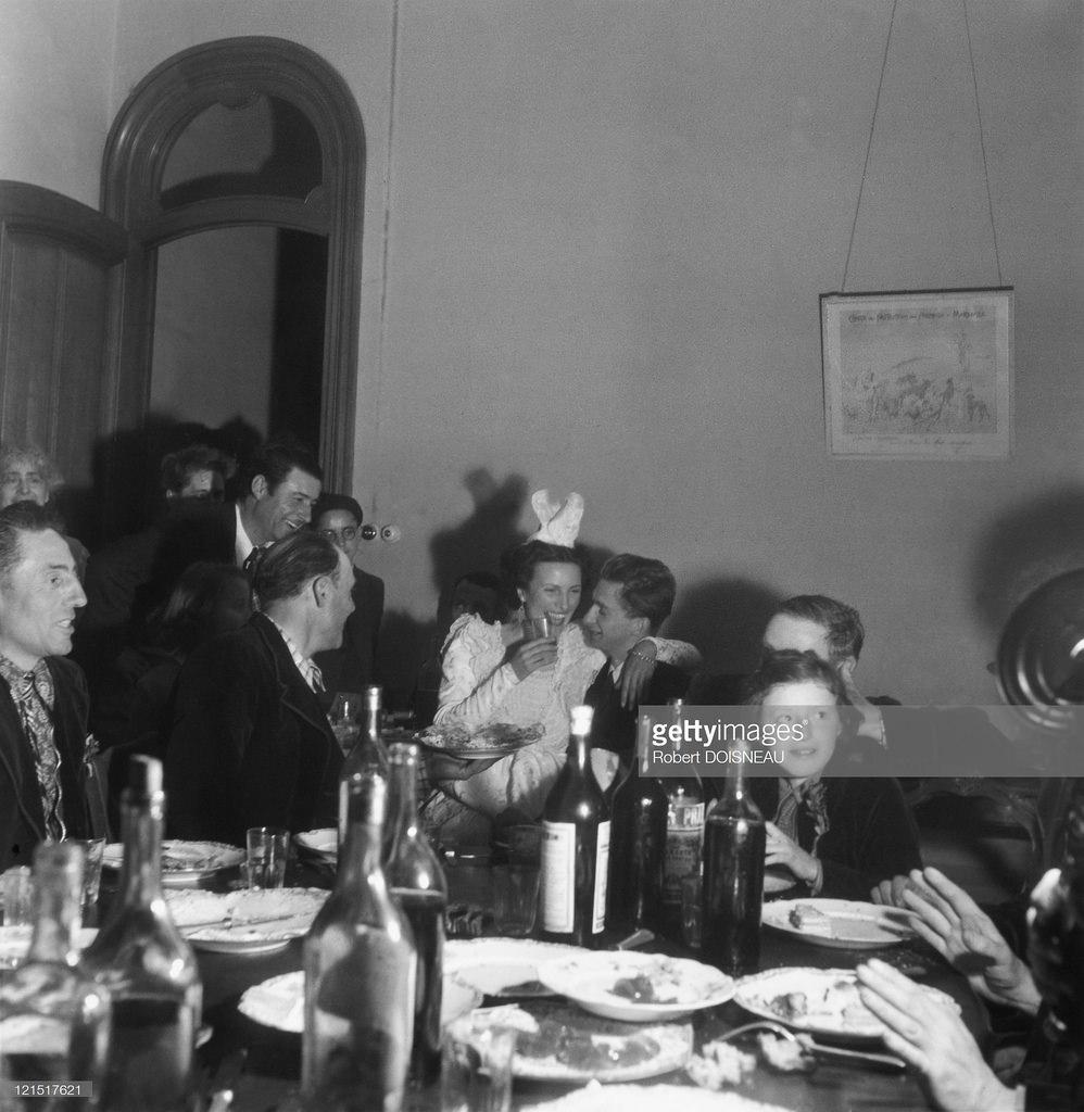 1945. Свадебный банкет в провинции