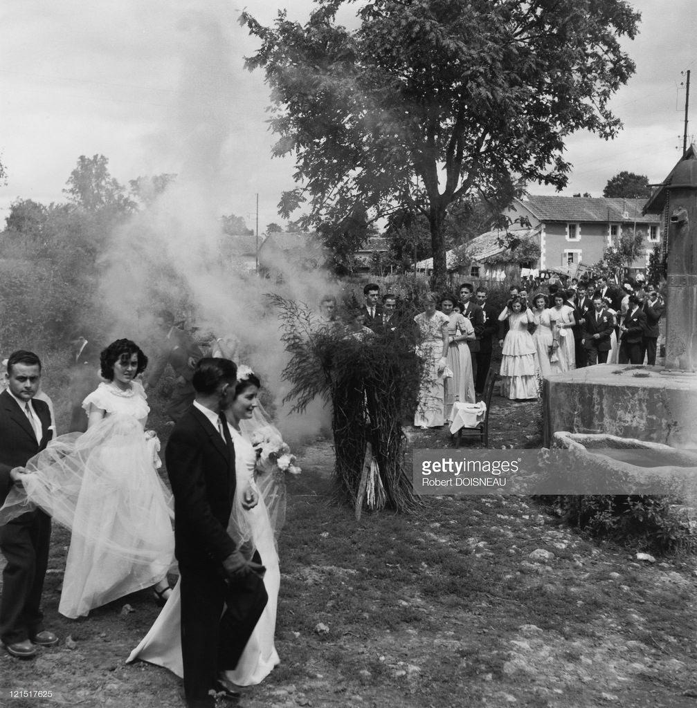 1951. Свадьба в провинции. Свадебное шествие