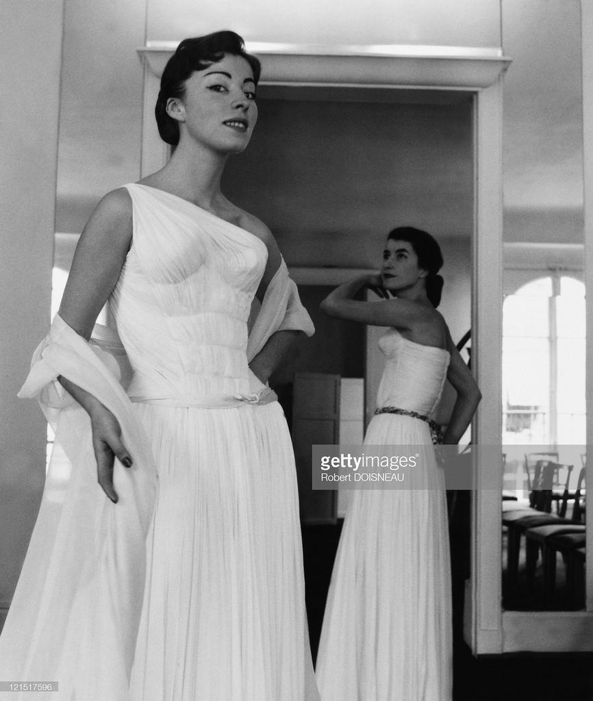1955. Мода и манекенщицы, 14 июня