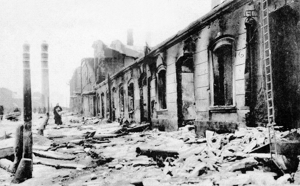 Разрушения в ходе боёв в районе Пресни, декабрь
