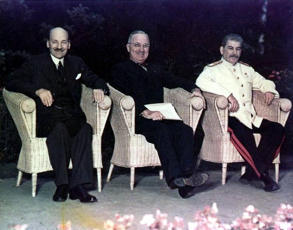 Эттли, Трумэн и Сталин на Потсдамской конференции, 28 июля - 1 августа 1945