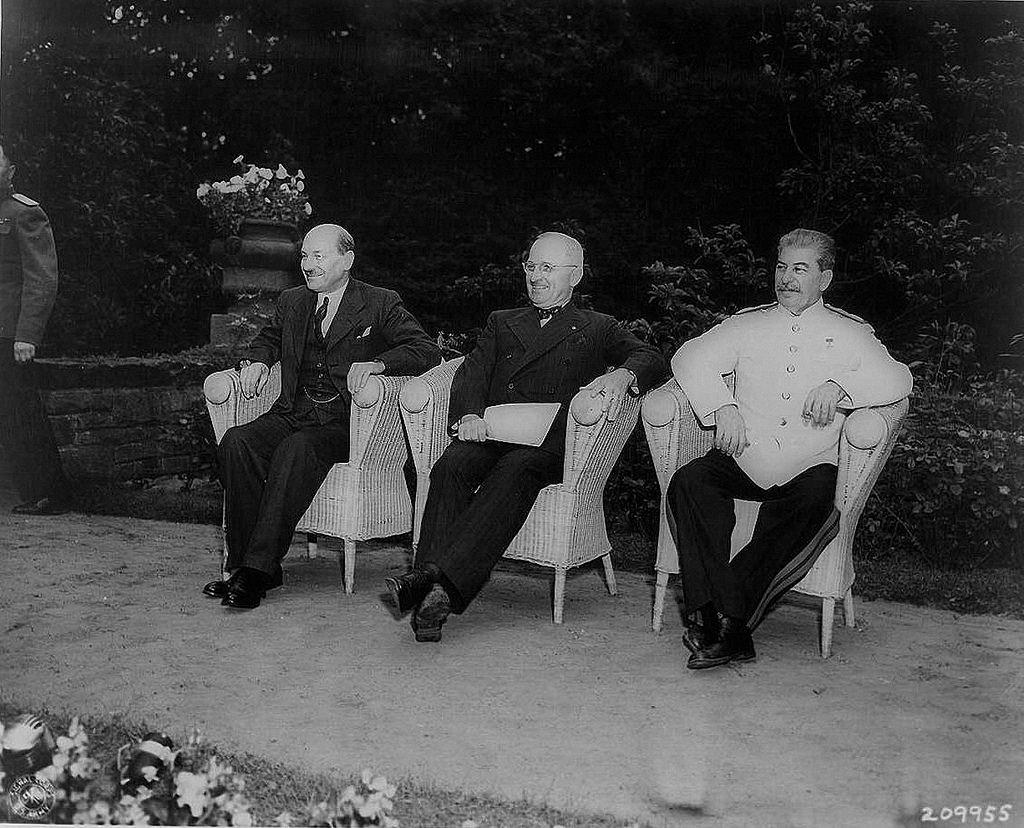 Эттли, Трумэн и Сталин на Потсдамской конференции
