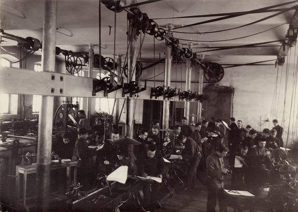 В механической мастерской технического училища. 1906