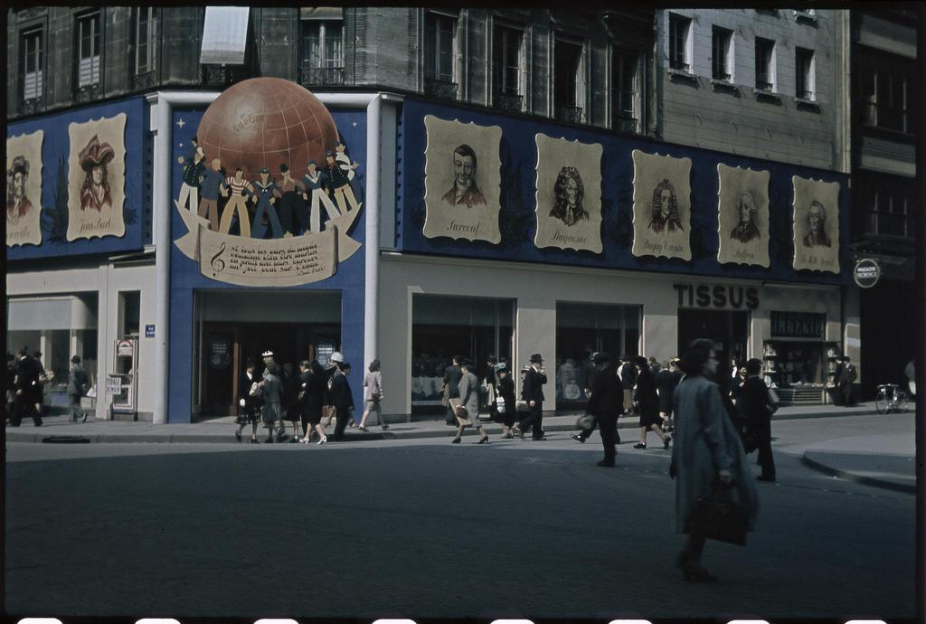 Выставка на углу улиц Гавр и Прованс  (1)