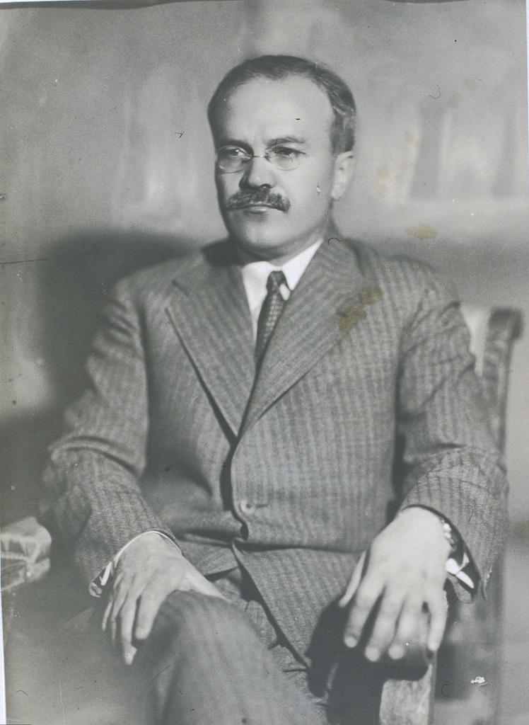 Вячеслав Молотов. 1933