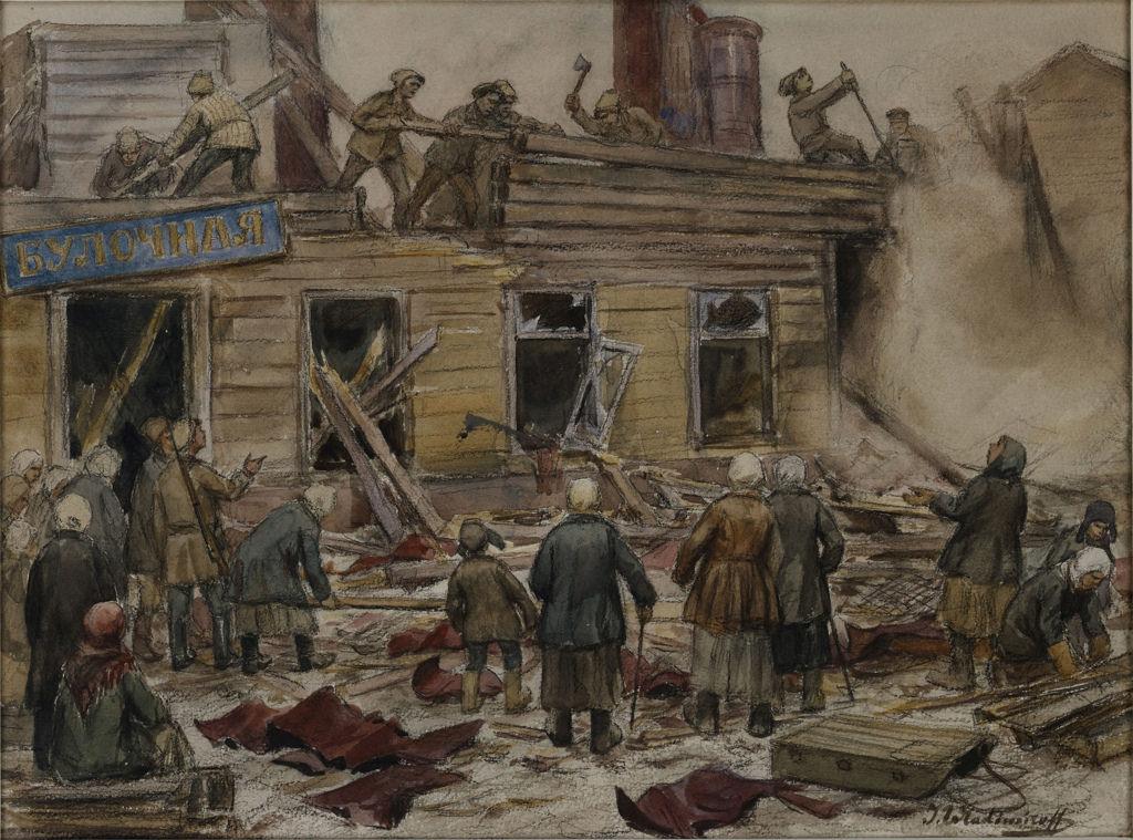 1920.Рабочие разбирают деревянные дома на топливо