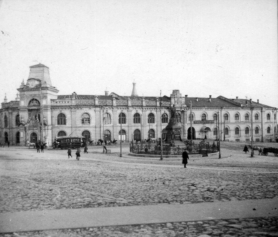 Гостиный двор. Вид от Кремля. 1910-е