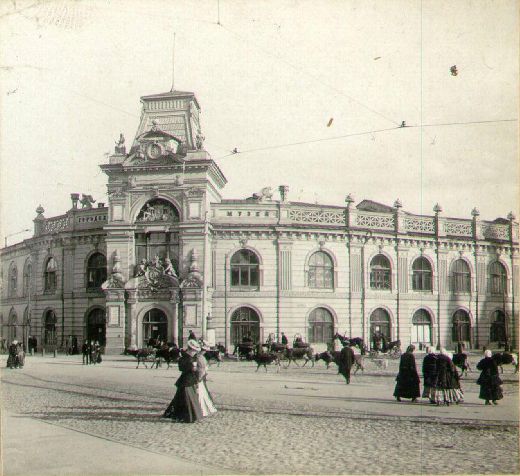 Дефиле на Ивановской площади