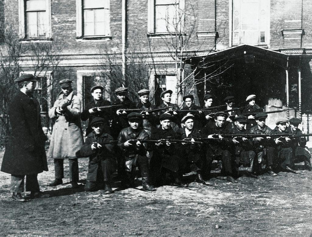 Красная гвардия в Петрограде
