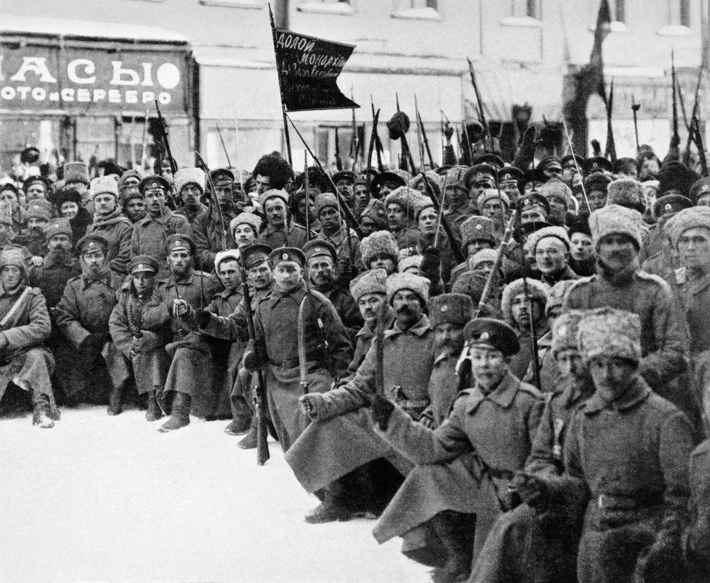 Революционные солдаты в Петрограде