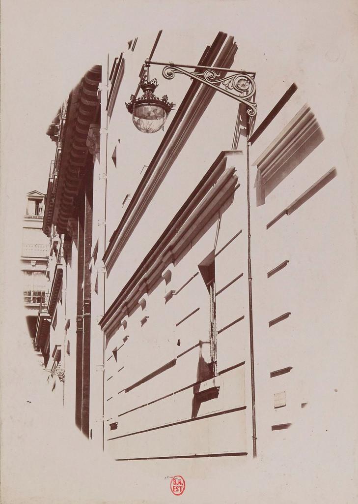 Улица Амбруаза Тома