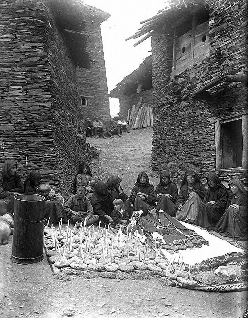1931. Похороны. Тушети. Омало.