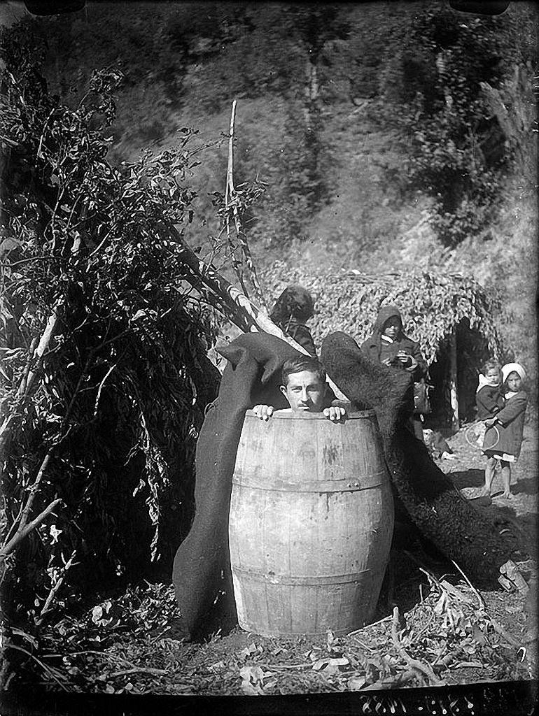 1932. Лечение кислой водой. Деревня Чарнали