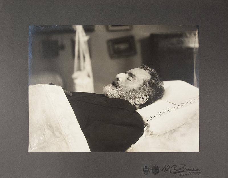 1877. Александр Павлович Брюллов в гробу