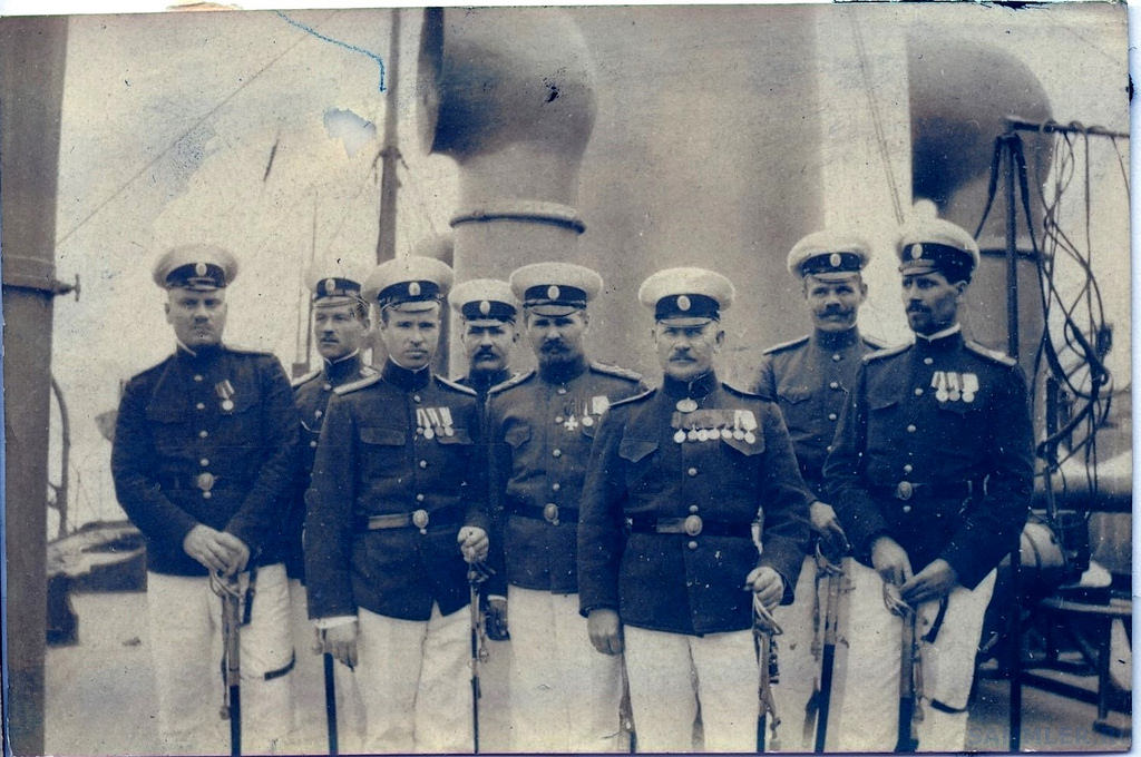 1915. Кондукторы на одном из кораблей Сибирской флотилии