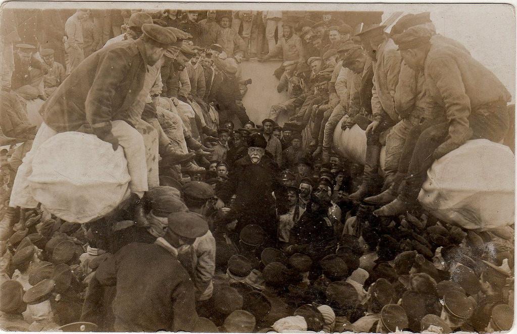 1917. Выступление министра временного правительства Гучкова на корабле Севастополь. Март