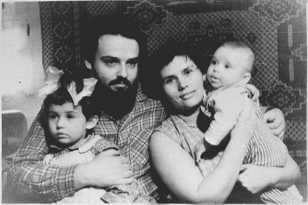 1960-е гг. С семьей.