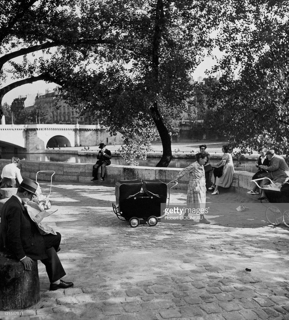 1950-е. Сен-Дени. На набережной