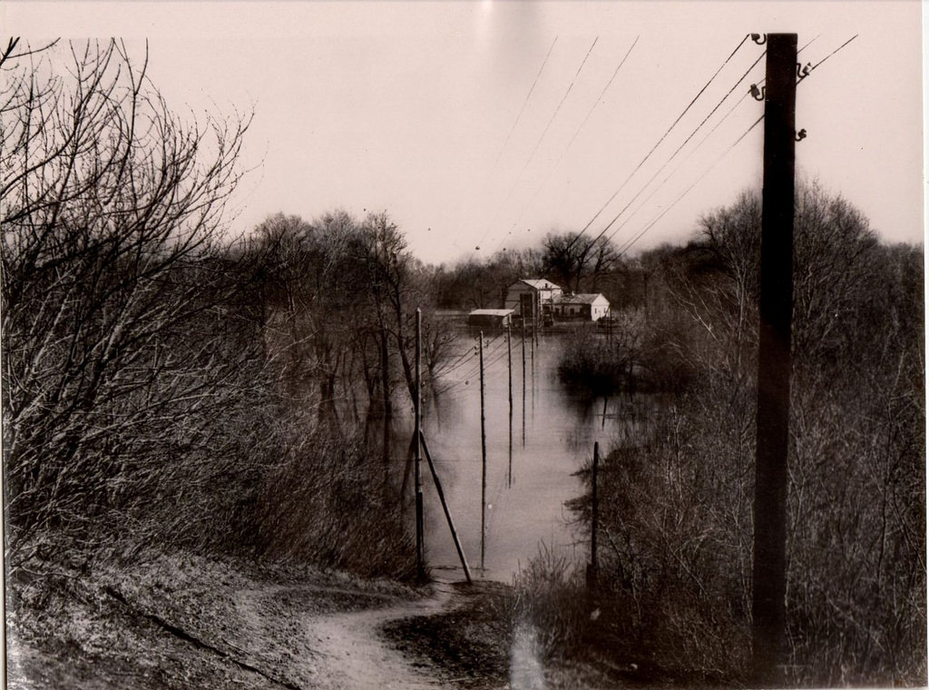 1957. Разлив реки Кинель г. Куйбышев.