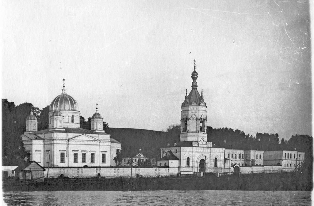 Староторжский монастырь. Вид с озера. 1913