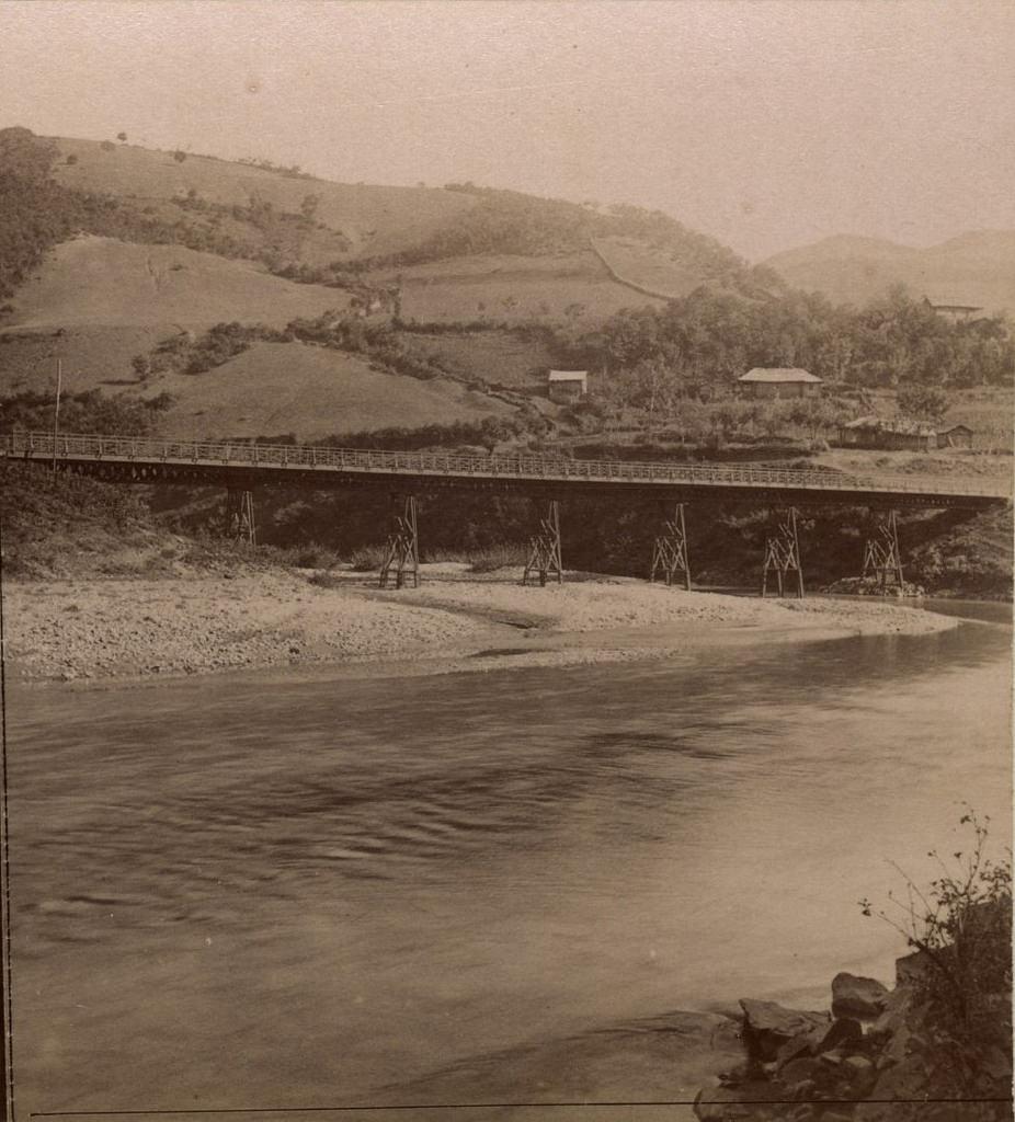 Мостъ чрезъ р. Дзерулу
