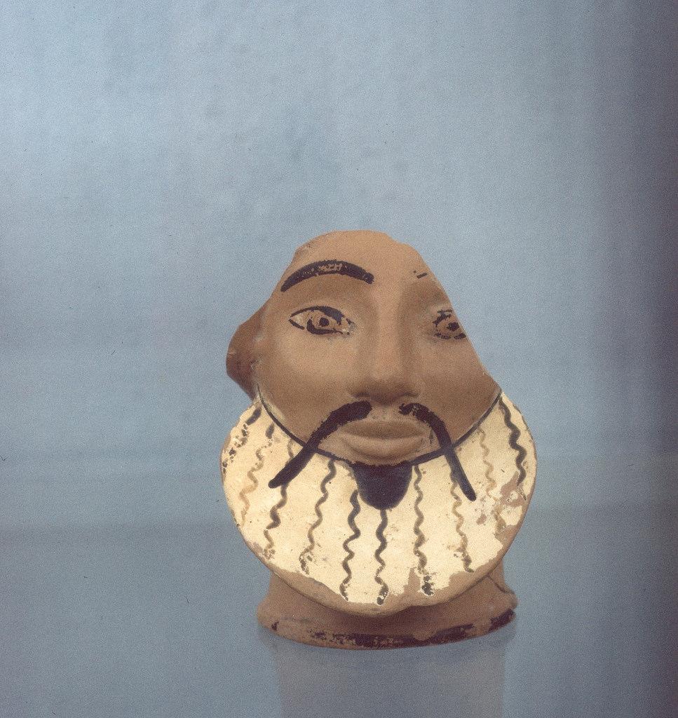 Археологический музей. Голова, терракота, ок. 530 г. до н.э.