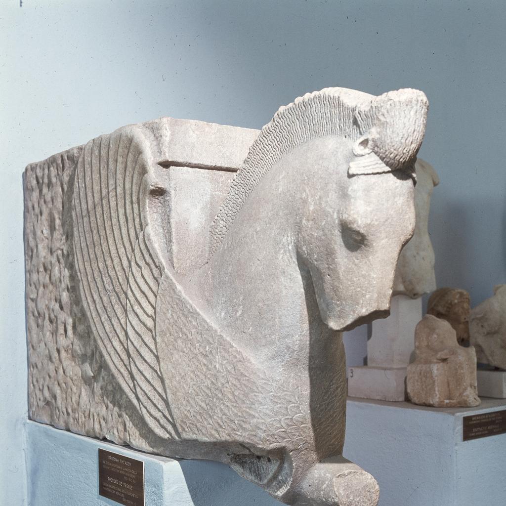 Археологический музей, Пегас из святилища Геракла, около 500-486 года до нашей эры