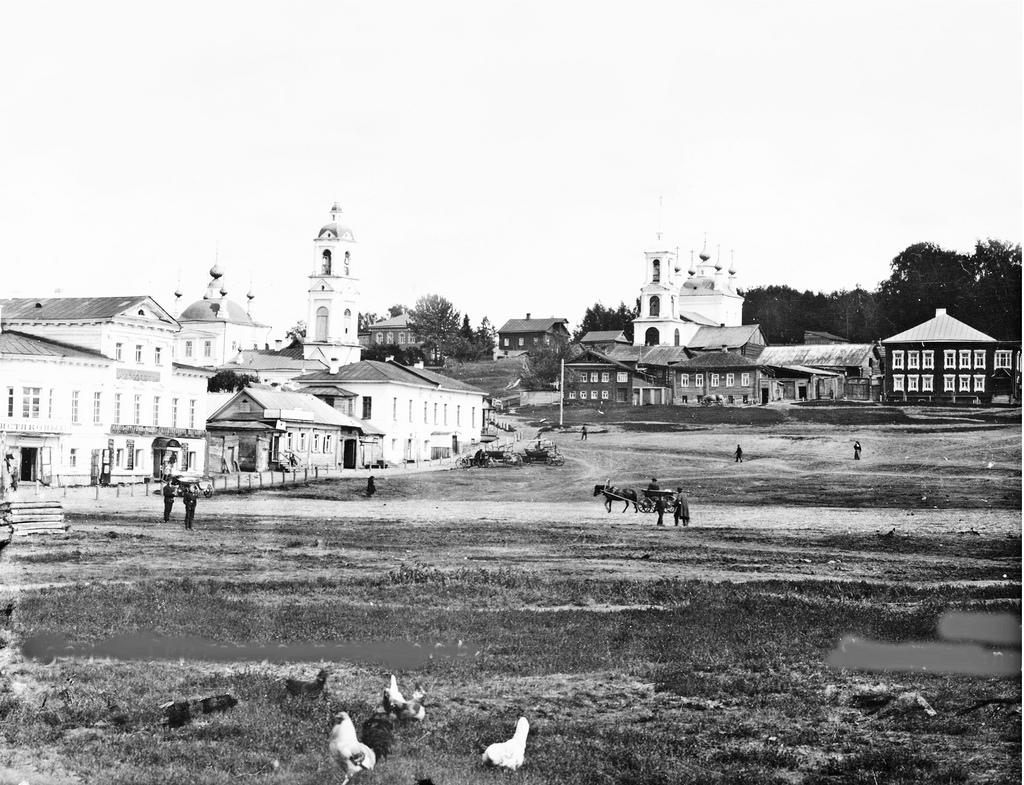 Торговая площадь. Церкви Вознесения и Воскресения. 1910.