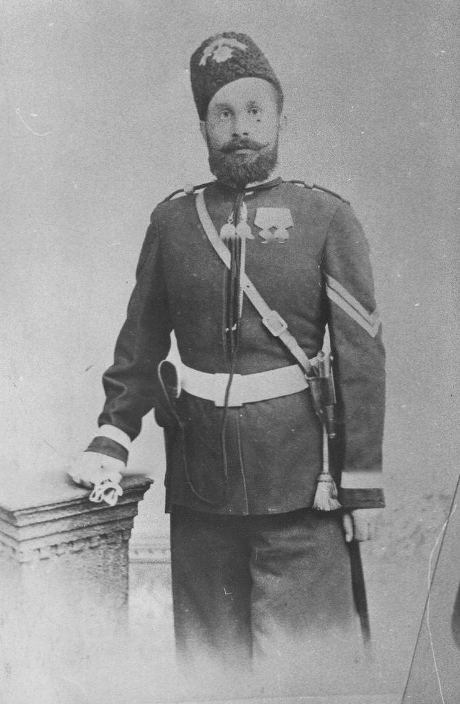 Портрет вахмистра  Лейб-гвардии казачего полка Тулаева. 1905