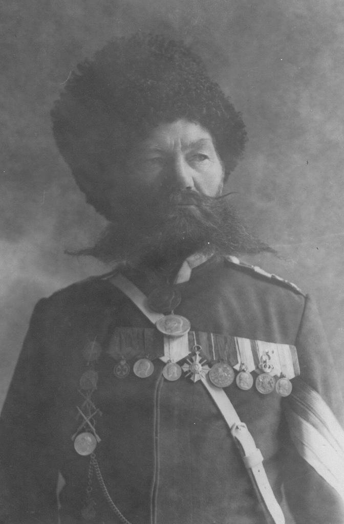 Портрет урядника сверхсрочной службы Лейб-гвардии казачего полка. До 1909