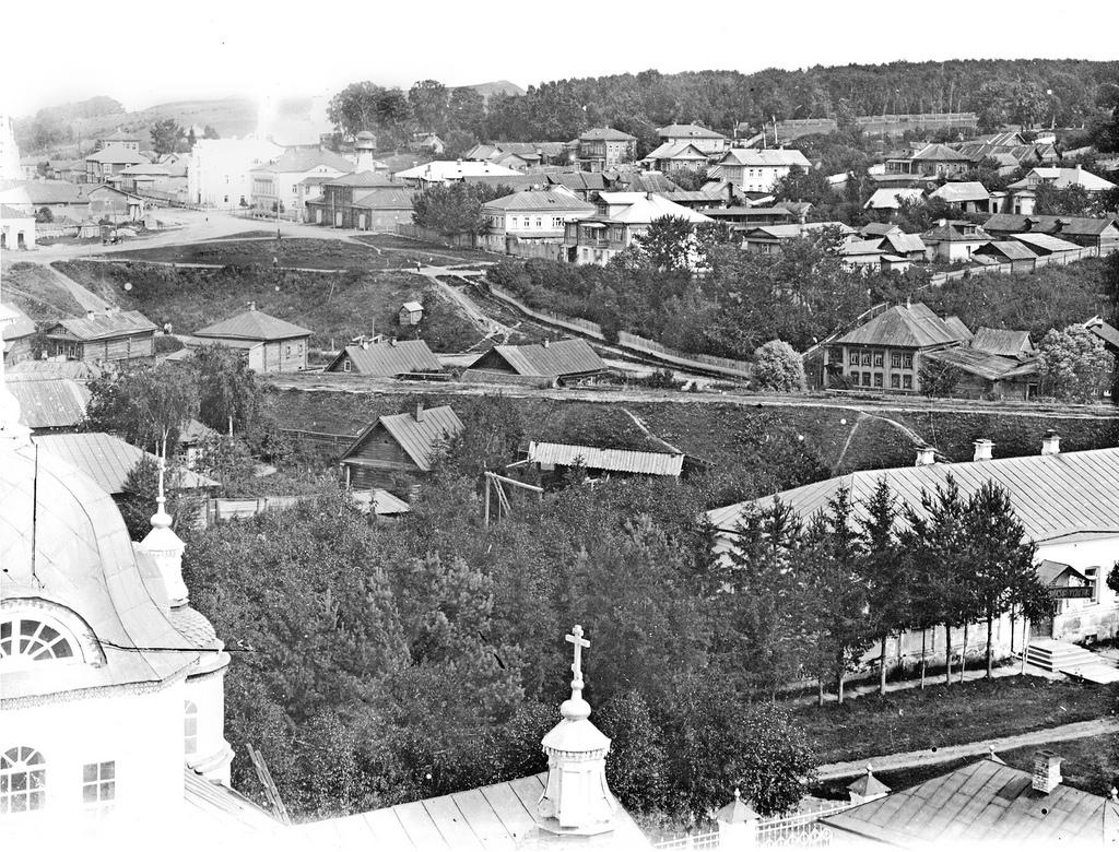Вид на валы и пожарное депо с соборной колокольни. 1910