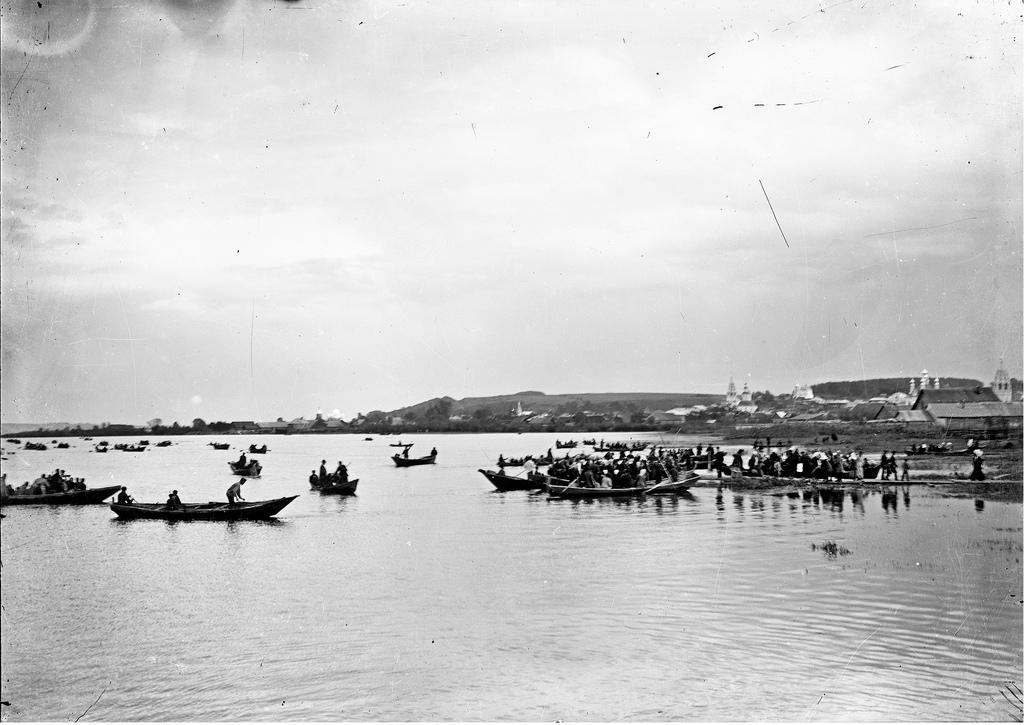 Духов день. Крестный ход на Галичском озере. 1911
