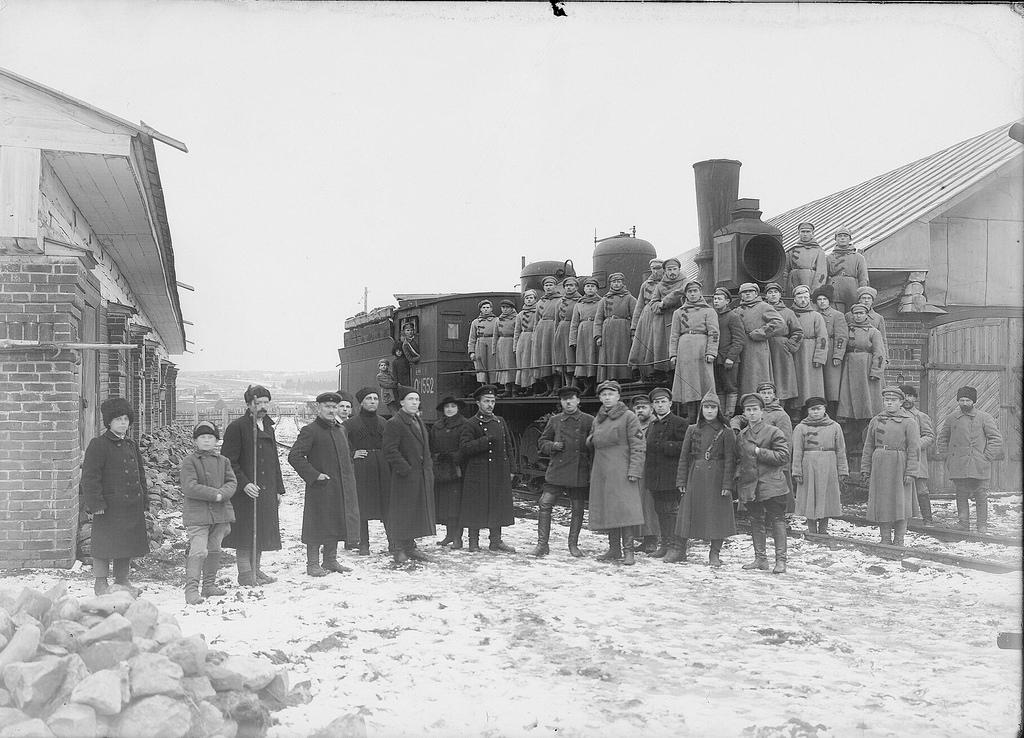1920. Группа красноармейцев перед отправкой на фронт