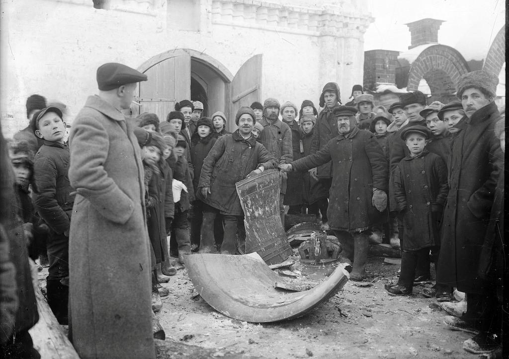1932. Уничтожение колокола Староторжского Нитколаевского монастыря