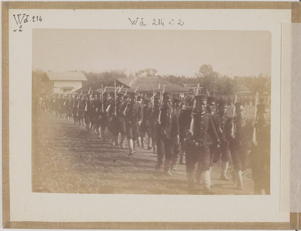 [Альбом де 23 фот. крупные военные маневры в Японии в 1892 -06