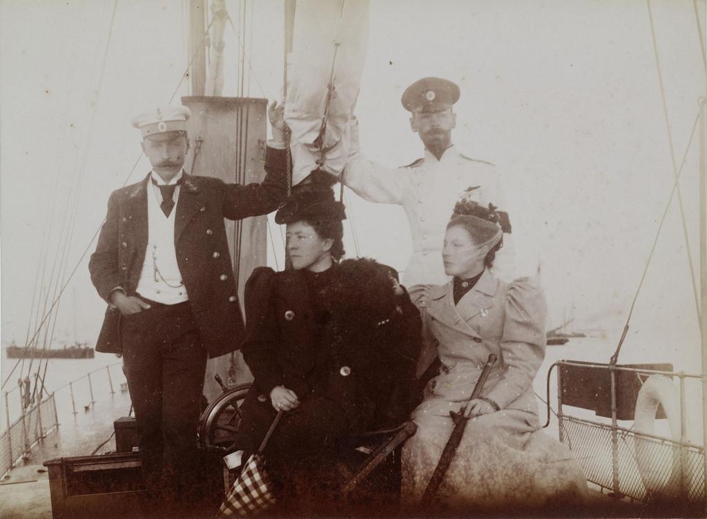 1893-1897. На яхте