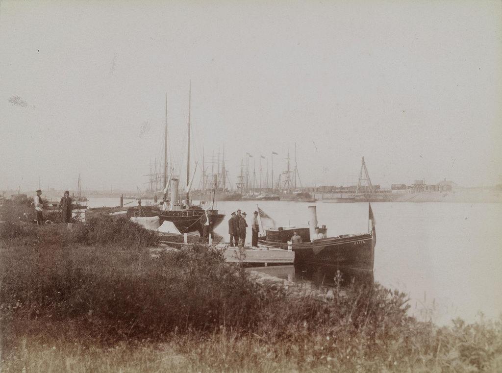 1893-1897. Стоянка судов