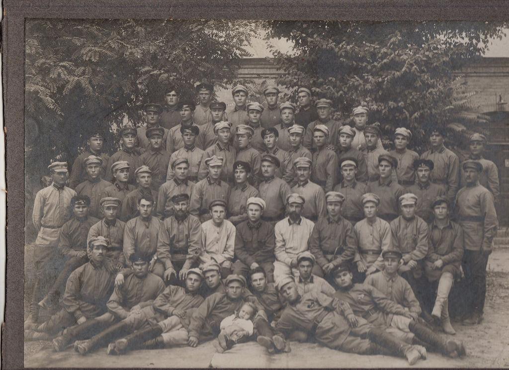 1925. Команда красноармейцев ташкентского окружного артиллерийского склада