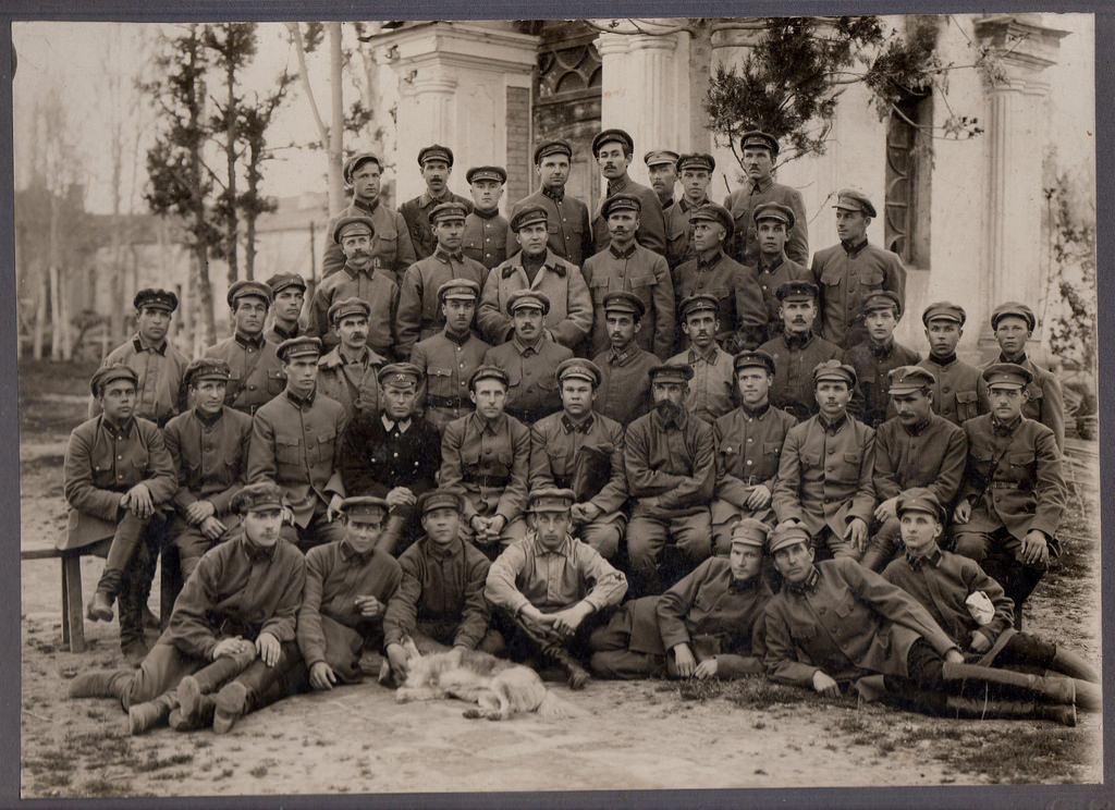 1926. Командно-политический, административно-технический состав арт.склада. Ташкент