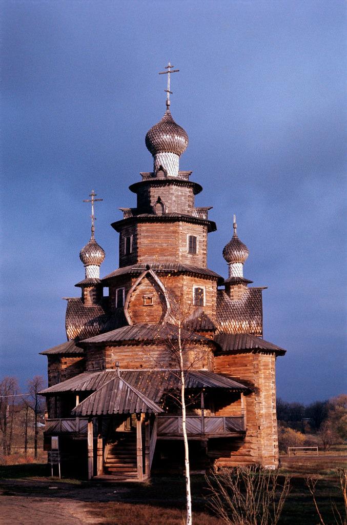 1972. Суздаль. Церковь Преображения Господня из Козлятьево