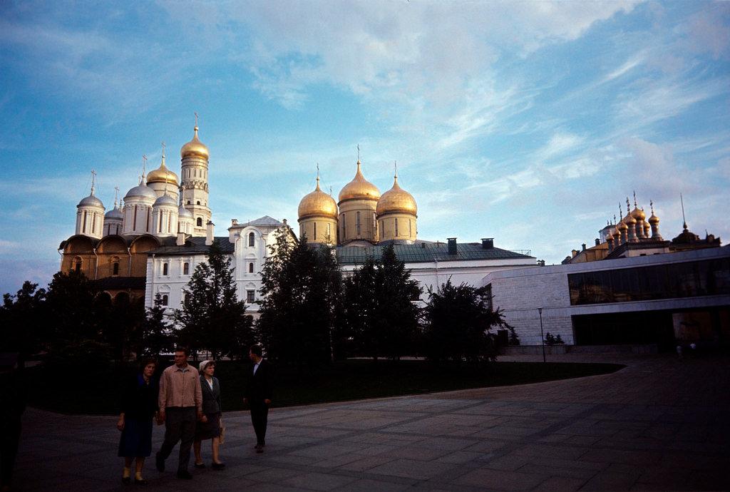 1983. Москва. Купола кремлевских соборов